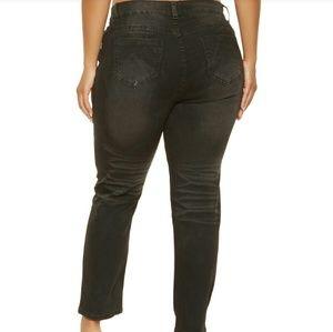 Denim - 20W Straight leg Black Whiskered Jeans